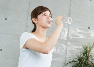 体の水分が不足すると疲れやすいのは「隠れ脱水」かも